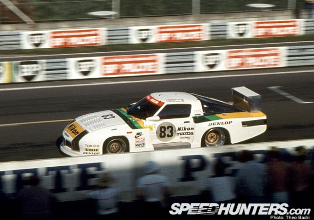LM82-thu_mazda-254_n83_straight-line-of-pit
